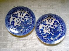Hey, I found this really awesome Etsy listing at https://www.etsy.com/listing/196659247/two-flow-blue-willow-dinner-plates-made