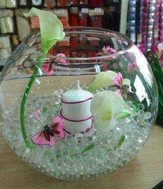 Vase boules roses roses d co mariage pinterest vase for Perle d eau decoration florale