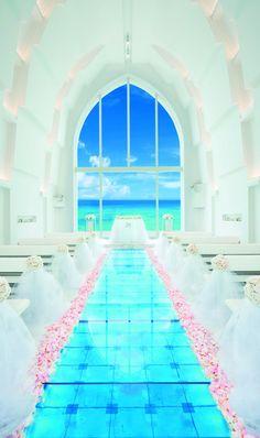 ARLUIS SUITE ~海の教会~ (アールイズ・スイート):真っ白な空間が美しいコントラストを見せる魅惑の舞台