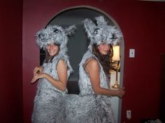 llama push me pull you costume? If I had to share this with my twin she would not be happy. also how do you use the bathroom?!