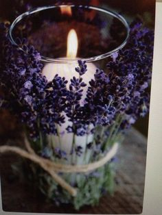 Bougie lavande.. diffuseur fait a la main Pot Pourri, Candels, Home And Deco, Decoration Table, Just Married, Dream Garden, Provence, Furniture Decor, Candle Holders