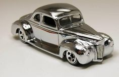 Hot Wheels Classics #2-19 1940 Ford Coupe Chrome 1/64      Free Shipping!!