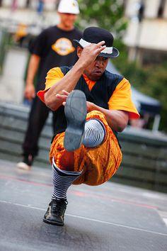 Detroit old school break dancing ♪♫ www.pinterest.com/wholoves/Dance ♪♫ #dance