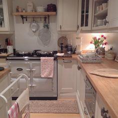 Loving my new pearl AGA Aga Kitchen, Cosy Kitchen, Kitchen Time, Country Kitchen, Kitchen Dining, Kitchen Decor, Kitchen Layout, Cottage Shabby Chic, Shabby Chic Kitchen