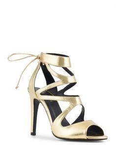 4cb0730a0d 7 meilleures images du tableau chaussures | Sandales, Chaussure et ...