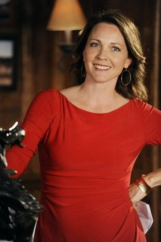 Kelli Williams...if I could dress exactly like her character in Lie To Me I'd be super happy.