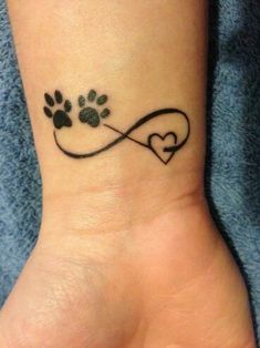 This is cute...you could put whatever you want instead of the dog paws! ;)