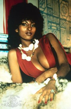 "Pam Grier - The original ""Foxy Brown"" Black Actresses, Black Actors, Vrod Harley, Photo Star, Vintage Black Glamour, Sexy Ebony, Doja Cat, Jolie Photo, Ebony Beauty"