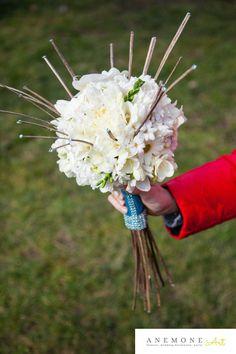 Turcoaz de primavara Flower Designs, Wedding Bouquets, Dandelion, Crown, Floral, Flowers, Plants, Blog, Corona