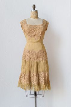 vintage 1950s pale peach lace silk dress