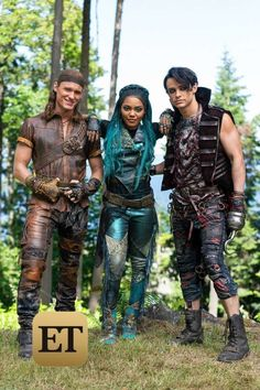 China Anne McClain, Dylan Playfair, and Thomas Doherty in Descendants 3 The Descendants, Descendants Characters, Descendants Costumes, Descendants Pictures, Cameron Boyce, Disney Channel Movies, Disney Channel Stars, Disney Stars, Disney Movies