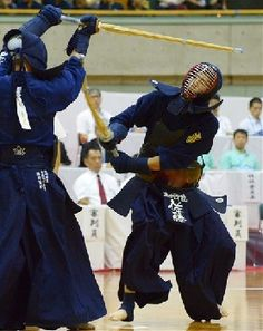 A shot at Inter‐High School Competition Aikido, Japanese High School, High School Fashion, Human Poses Reference, Samurai Art, Male Style, Kendo, Gladiators, Martial Arts