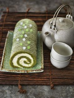 Green tea roulade recipe by Claire Clark - Heat the oven to Grease a x Swiss roll tin and line with baking parchment. Get every recipe from 80 Cakes Around the World by Claire Clark Roulade Recipe, Swiss Roll Cakes, Cupcake Cakes, Cupcakes, Matcha Cake, Green Tea Recipes, Tea Powder, Japanese Sweets, Chinese Tea
