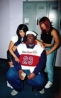 lil kim biggie and friend Hip Hop And R&b, 90s Hip Hop, Hip Hop Rap, Lil Kim And Biggie, Old School Music, Hip Hip, Hip Hop Fashion, My Favorite Music, Rapper