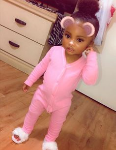 Cute Black Kids, Black Baby Girls, Beautiful Black Babies, Cute Little Girls Outfits, Cute Little Baby, Pretty Baby, Kids Outfits, Cute Kids Fashion, Baby Girl Fashion