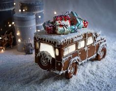 Gingerbread Car with presents on top - gotta love this one! Inspiration for you to make one yourself! Gingerbread Car with presents on top - gotta love this one! Inspiration for you to make one yourself! Gingerbread House Designs, Gingerbread House Parties, Gingerbread Village, Christmas Gingerbread House, Christmas Sweets, Christmas Cooking, Merry Little Christmas, Noel Christmas, Christmas Goodies