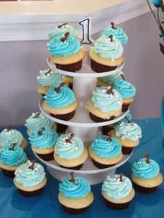 cupcakes 1st birthday boy idée d image de gâteau