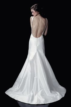 Open back wedding dress Elle Hemingway (back)