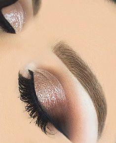 Brown gold eye makeup