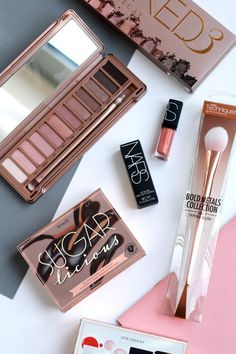 The Autumn Makeup Giveaway - The Lovecats Inc