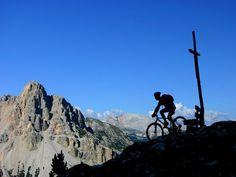 Mountainbiken in den Dolomiten / Mountainbike tour through the Dolomites