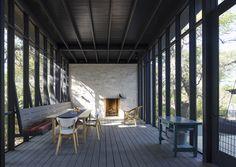 La technique du bois brûlé ou Shou Sugi Ban || Uppett architects - Hillside project