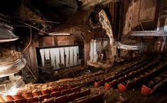 RKO Proctor's Theatre opened in Newark, NJ on November 1915 as the Proctor's Palace Theatre. The architect was John W. Merrow, the nephew of Proctor theater circuit owner Frederick F. Abandoned Buildings, Abandoned Places, Abandoned Mansions, Palaces, Urban Decay, Looks Dark, Time And Tide, Movie Theater, Theatre Geek