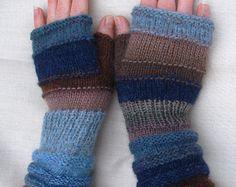 Winter Mode-Accessoires-blau-braun-Geschenk für Frauen stricken Armstulpen unübertroffen Hand stricken gestreifte Armstulpen mit Upcycled Wolle