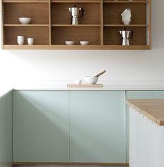 Trend: Green kitchen - via Coco Lapine Design