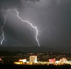 Lightning strikes near Laughlin, Nevada as the first storm of the season passes through the western deserts of the United States in the early hours of June Bullhead City Az, Laughlin Nevada, Reno Tahoe, Wild Weather, Nevada Usa, Travel Necessities, Natural Scenery, Best Hotels, Vacation Spots