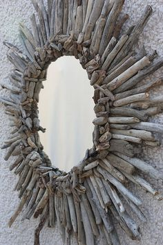 DIY driftwood mirror!! For my beach house. aahhh maybe in my next life.