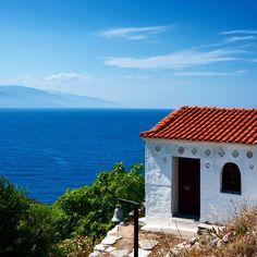 • Prints at WWW.FOTOKUNSTNER.NO ----------------------------------------------------------- Lovely chapel above the ocean at Skiathos, Greece. #skiathos #chapel #greece #travel #traveling #traveler #travelgram #travelingram #instatravel #nature #paradise #igers #igersoftheday #loveit #tflers #tfl #turquoise #blue #explore #amazing #beautiful #tweegram #webstagram #bestoftheday #tourist #igtravel #trip #travel_greece Skiathos, Greece Travel, Travel Photos, Paradise, Traveling, Ocean, Turquoise, Explore, Amazing