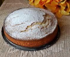 Torta senza burro ne uovasoffice e leggera!Una torta umida e deliziosa,profumata all'arancia!Ottima da gustare qualsiasi momento della giornata