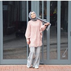 dresses two piece classy Modern Hijab Fashion, Muslim Fashion, Modest Fashion, Hijab Casual, Modest Outfits, Casual Outfits, Look Blazer, Hijab Fashionista, Stylish Dresses For Girls