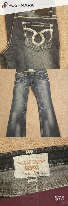 Like new! Big Star low rise jeans Bought these on here hoping they would work. Unfortunately these are low rise and I tried them on and I just have to much booty for these to look good. They are awesome jeans. They look brand new and have great stretch to them and look even better in person. Wish these were maybe just a size bigger! Just looking to get what I paid for them. Big Star Jeans Boot Cut