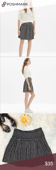 """Madewell Silk Skyline Skirt in Tidalwave This silk skirt is a dream in one of our favorite vintage-inspired prints. Full and swishy with a flattering waistband.   Full mini skirt. Silk. Side zip. Laid flat across @ waist: 14"""", length: 18"""". NWOT Madewell Skirts Mini"""