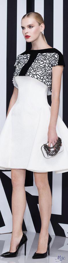 Spring 2016 Saiid Kobeisy Gala Dresses, Dress Outfits, Evening Dresses, Short Dresses, Fashion Outfits, White Fashion, Colorful Fashion, Chic Dress, Dress Up