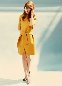 Mustard yellow dress and houndstooth pumps
