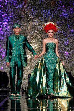 Traditional Balinese wedding attire