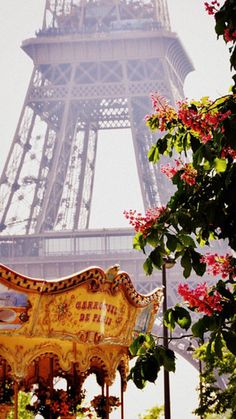 Merry-go-round - Eiffel Tower - Paris - France Paris 3, I Love Paris, Paris Chic, Paris Summer, Paris Girl, Places To Travel, Places To See, Beautiful World, Beautiful Places