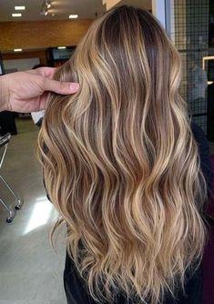 Blonde Hair Looks, Brown Blonde Hair, Medium Blonde, Brown Beach Hair, Brownish Blonde Hair Color, Long Beach Hair, Beach Hair Color, Pretty Brown Hair, Brown To Blonde Ombre Hair
