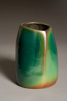 contemporary ceramic artist Jim Webb. [very interesting break in the glaze, nice colour transition]