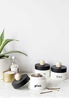 Ways to Make Over Your Small Bathroom Into a Spa-Worthy Escape Small bathroom ideas and home organization tips for your small apartment or home.Small bathroom ideas and home organization tips for your small apartment or home. Diy Rangement, Farmhouse Side Table, Cute Dorm Rooms, Home Organization Hacks, Organization For Small Bathroom, Diy Bathroom Ideas, Bedroom Ideas, Bathroom Makeovers, Bathroom Storage