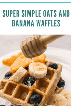 Super Simple Oats and Banana Waffles - Romina's Little Corner Sweet Breakfast, Perfect Breakfast, Breakfast Recipes, How To Make Granola, Banana Waffles, Gluten Free Waffles, Blueberry Compote, Honey And Cinnamon