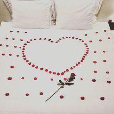Ne yaparsan yap Aşk ile yap! Sevgi hayatınızdan hiç eksik olmasın... #love #loveher #lovehim #lovelyday #loveislove #corinnehotel #hotelrooms #honeymoon #lovepocket http://www.corinnehotel.com/