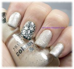 #essence new york city call & hey, nude! Stamps from @bornprettystore BP-17 with #konad black and #aengland Excalibur