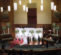 17 best decoracion iglesias images on pinterest church wedding a lovely church wedding beautiful flowers on the altar junglespirit Choice Image