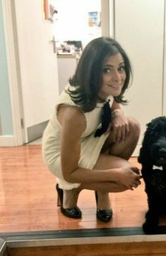 images of lucy verasamy hair styles Weather Girl Lucy, Hottest Weather Girls, Sexy Older Women, Sexy Women, Animatrices Tv, Beautiful Legs, Beautiful Women, Tv Girls, Tv Presenters