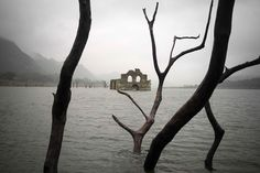 A Drought in Mexico Uncovers a 400-Year-Old Colonial Church in the Middle of a Reservoir