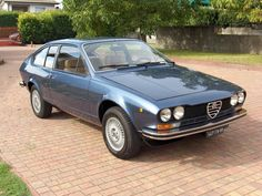 1977 Alfa Romeo Alfetta - GT 1600 Maintenance/restoration of old/vintage vehicles: the material for new cogs/casters/gears/pads could be cast polyamide which I (Cast polyamide) can produce. My contact: tatjana.alic@windowslive.com